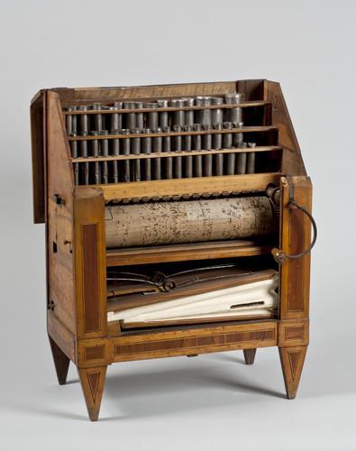 Draaiorgel met cilinder en driedelig fluitregister | Louis Fretin