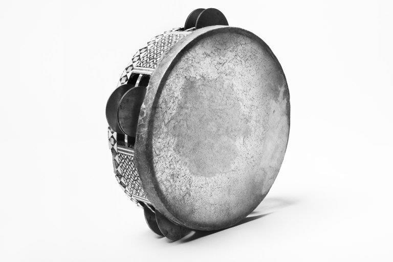 Tambourine. |