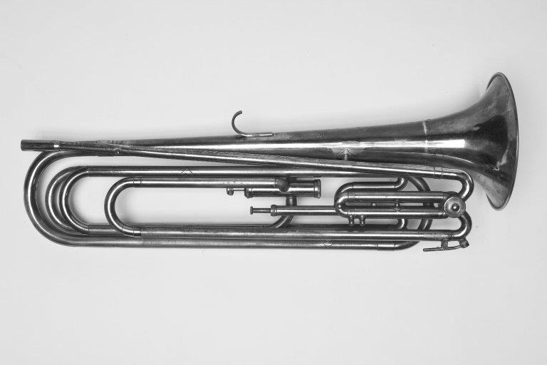 Baritone bugle. Nominal pitch: 11-ft G. |  Ludwig