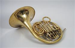 Double horn. Nominal pitch: (F + B?) and (F + A). | Alexander