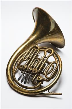Double horn. Nominal pitch: F + B?. |